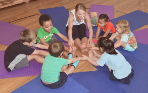 Midndful Kiddo group circle